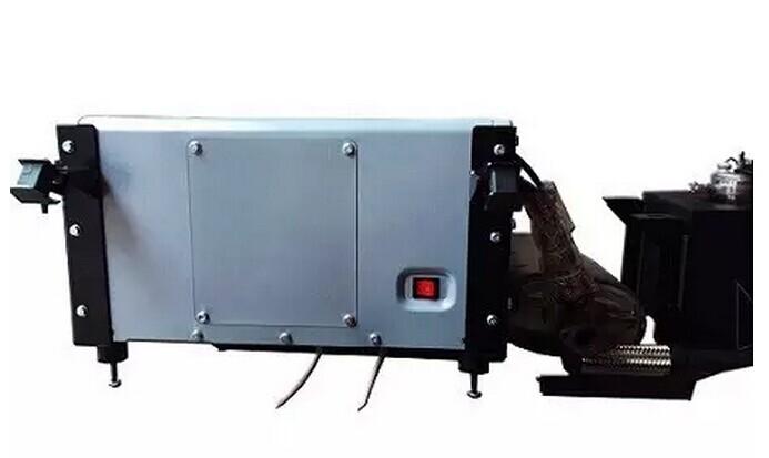 伊藤动力分体式房车发电机隆重上市 3KW分体式发电机 类型:空气冷却,四冲程汽油OHV 位移ML:208 机油量 ML:550 火花塞型号:F7RTC 火花塞间隙 ML:0.6-0.7 排气阀的差距:0.08-0.10 调速系统:电气控制 启动类型:戊开始/反冲开始 相数: 单相 电压调整:数字变频器监管 频率 HZ:50 额定电压 V:220 运行功率 KVA:3.