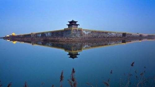秦皇岛毗邻大海,河道纵横,有17条入海河流.