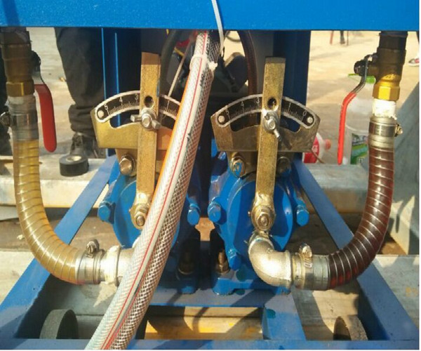 电磁液位计控制2个电机接线图