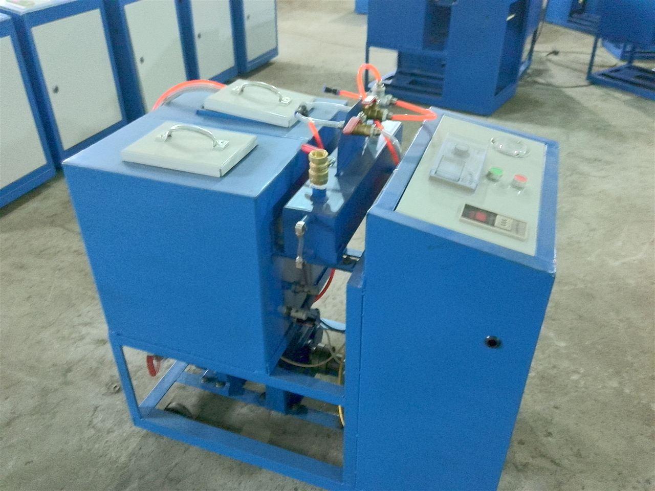 澳门新葡京网址8455a优惠定做 聚氨酯外墙喷涂机 小型低压聚氨酯浇注机